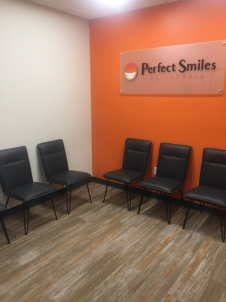 Waiting area at Chula Vista dentist Perfect Smiles California